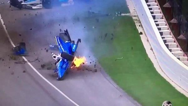 Spaventoso incidente a Indianapolis