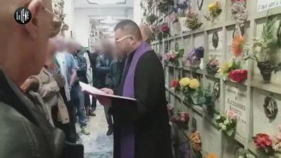 TOFFA: Il prete che benedice con il saluto fascista