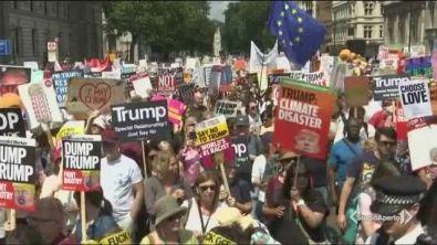 Londra in piazza contro Trump