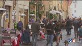 L'Italia ora riparte Esclusi protestano