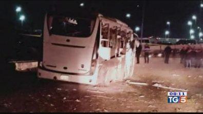 Terrore alle piramidi, bomba contro il bus
