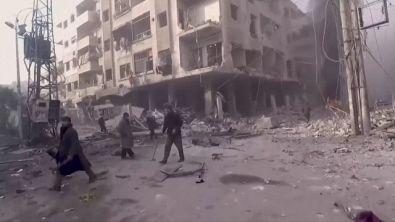 """L'appello: """"Aiutateci: qui a Douma, in Siria, è un massacro"""""""