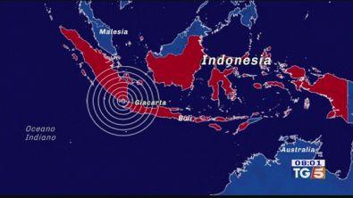 Indonesia: muro d'acqua su Giava e Sumatra