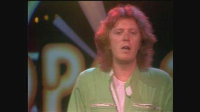 "Umberto Tozzi canta ""Notte rosa"" a Popcorn 1981"