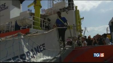 Ocean Viking: via libera allo sbarco