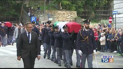 Agenti uccisi oggi i funerali