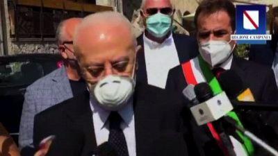 De Luca: Campania da ecoballe a regione più controllata d'Italia