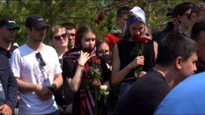 Russia, a Kazan esequie insegnante della scuola presa d'assalto