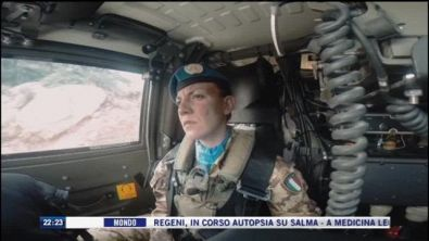 Le due vite di una donna soldato