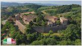Montegridolfo: un borgo sospeso tra il tempo e lo spazio