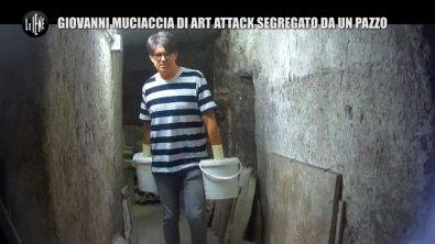 BELLO: Giovanni Muciaccia, ostaggio d'artista con le mani nel secchio
