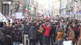 Covid, due arresti e denunce per il corteo dei No Green pass a Milano