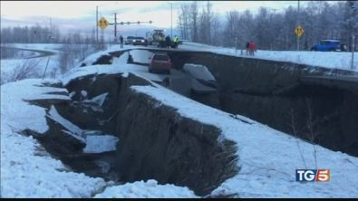 Spaventoso terremoto in Alaska