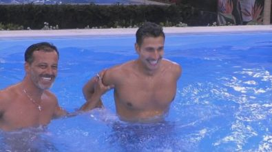 Pool party notturno