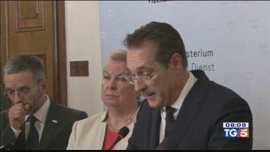 Travolto dallo scandalo Strache si dimette