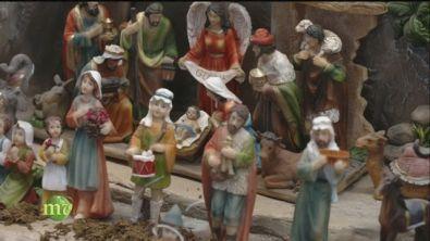 Il presepe e la decorazione della tavola natalizia