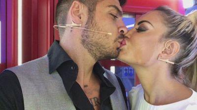 La #cabinarossa di… Luigi Favoloso e Elena Morali