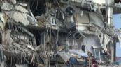 Crolla un edificio di 12 piani a Miami, almeno un morto