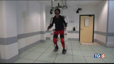 La tuta robotica per tornare a camminare