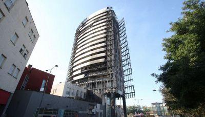 Incendio a Milano, quanto costano gli appartamenti del palazzo andato a fuoco