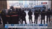 Breaking News delle 16.00 | Milano, 1 arresto e 83 denunce no pass
