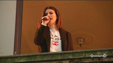 Il regalo di Laura Pausini per i fan