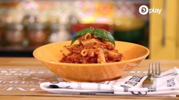 Video ricetta: pasta integrale con ragù di soia