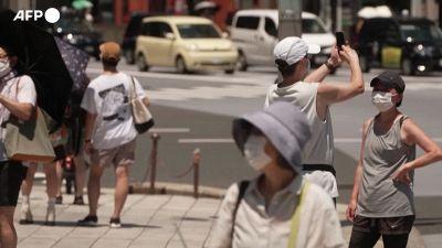 Volano contagi a Tokyo, Usa verso mascherine per i vaccinati