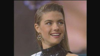 Martina Colombari appena eletta Miss Italia 1991 al Maurizio Costanzo Show