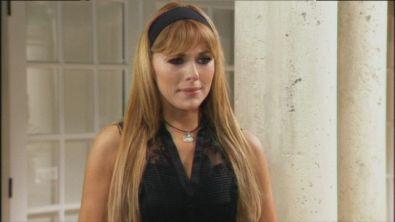 Alicia chiede scusa ad Eva