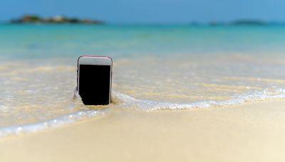 Verifica se il tuo smartphone è resistente all'acqua