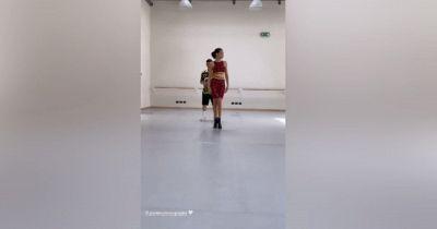 Elodie strega i social con il nuovo ballo