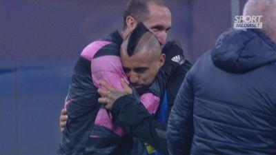 Vidal bacia lo stemma della Juve