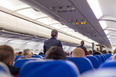 Colpita da malore durante il volo: così 5 medici hanno salvato una signora