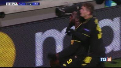 L'Inter è spietata. Orgoglio Napoli