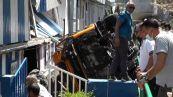Precipita bus a Capri, morto l'autista, diversi feriti