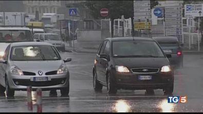 Traffico e code sotto la pioggia