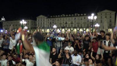 Europei, a Torino piazza Vittorio invasa dai tricolore