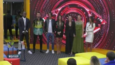 Andrea Zelletta ed Elisabetta Gregoraci sono i primi VIP salvi