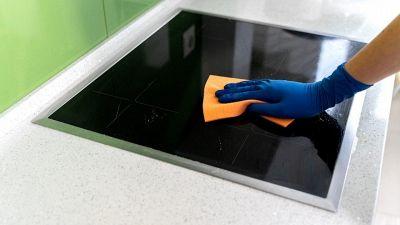 Come pulire i fornelli ed il piano cottura a induzione