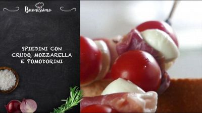 Spiedini crudo mozzarella e pomodorini