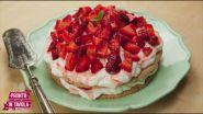 I dolci di Alice: Torta meringata alle fragole e mandorle