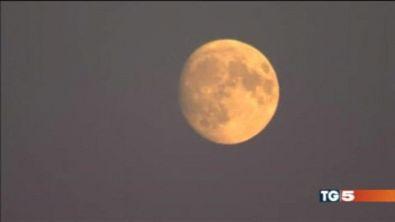 La luna è super! Unica volta in questo secolo