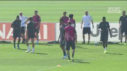 Juventus, Higuain furioso nel torello: calci ai cartelloni