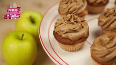 I dolci di Alice: cupcake alla mela con frosting alla cannella