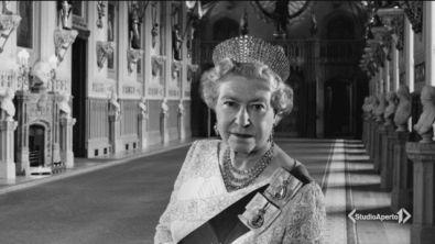 La regina Elisabetta in mostra