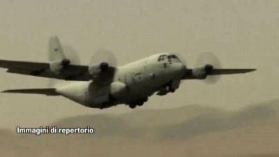 Paura a Kabul, fuoco talebano nei pressi di un C-130J italiano