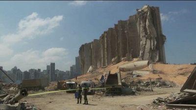 Libano, spunta la pista del missile. A Beirut il giorno della protesta