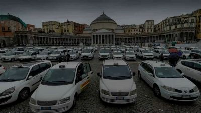 Wetaxi: come funziona l'app italiana per condividere i taxi