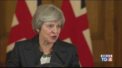 Brexit: si dimettono altri quattro ministri